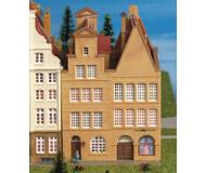 модель Kibri 37153 Double Fronted Town House w/Covered Passage. Размер 8.3 x 10.5 x 12 см. Набор для сборки.
