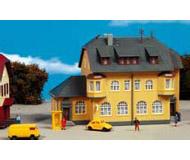 модель Kibri 37161 Munderkingen Post Office. Размер   12.5 x 5.8 x 9 см. Набор для сборки.