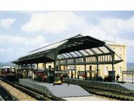 модель Kibri 37758 Railway Station - Kit. Размер 23.5 x 12.5 x 8 см. Набор для сборки.