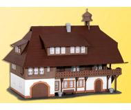 модель Kibri 38074 Дом Black Forest, L 20,5 x W 15 x H 15,5 cm.