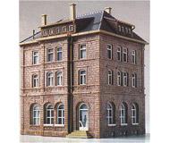 модель Kibri 38199 Здание железной дороги с освещением, L 13,5 x W 12,5 x H 16,8 см
