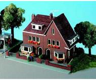 модель Kibri 38325 Amselweg House. Размер 15.5 x 10.5 x 9.5 см. Набор для сборки.
