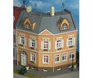 модель Kibri 38387 Schillerplatz Townhouse -- 16 x 16.5 x 15.5 см. Набор для сборки.