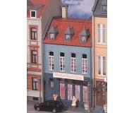 модель Kibri 38394 Stadthaus Boutique in Dusseldor. Размер 9 x 9 x 15.5 см. Набор для сборки.