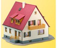модель Kibri 38710 Lindenstrase Detached House. Размер 14 x 12 x 10 см. Набор для сборки.