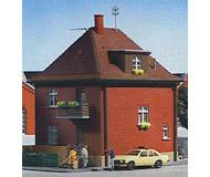 модель Kibri 38716 Factory Street House. Размер 13 x 10 x 14 см. Набор для сборки.