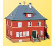 модель Kibri 38718 Borgis Street House. Размер 15 x 13.5 x 14 см. Набор для сборки.