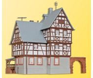 модель Kibri 38901 Miltenberg Gatehouse -- 14 x 13.5 x 16 см. Набор для сборки.