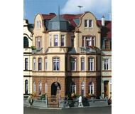 модель Kibri 39100 Eckhaus Diplomat Villa in Bonn. Размер 13.5 x 13.5 x 18 см. Набор для сборки.