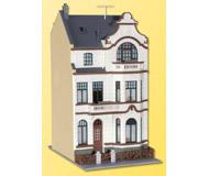 модель Kibri 39103 Townhouse with Studio in Bonn. Размер 9 x 13.5 x 17.5 см. Набор для сборки.