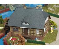 модель Kibri 39157 Thatched Watermill -- 18 x 13.5 x 13 см. Набор для сборки.
