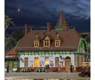 модель Kibri 49509 Burg Spreewald Station w/Interior Lighting Starter Set -- Kit. Размер 23.5 x 16 x 20 см. Набор для сборки.