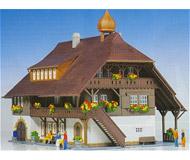 модель Kibri 8074 Деревенский дом в Schwarzwald, 20,5х15х15,5  см. Набор для сборки.