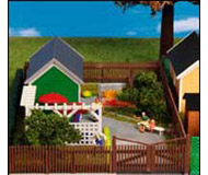 модель Kibri 8658 Садовый участок с оградой.