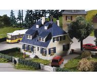 модель Kibri 8712 Дом Bergwald, 10х9х11  см. Набор для сборки.