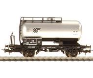 модель Liliput L231301 Двухосная цистерна для использования, помимо европейских, на железных дорогах Великобритании, для чего вагон был сделан более узким - для соответствия английским стандартам. Принадлежность  VTG DB. Эпоха  III