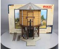 модель Piko 62231 Durango Water Tower Набор для сборки (KIT).