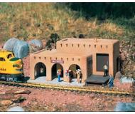 модель Piko 62252 Las Cruces Train Station Набор для сборки (KIT).