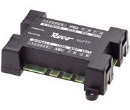 модель Roco 10777 Сигнальный модуль. Позволяет контролировать два различных сигнала до 4 состояний: Stop/No Shunting (HP00), No Restrictions (HP1), Speed Limit (HP2), Shunting Allowed (SH1). Может использоваться например с блоками от Viessmann. Для управления используется клавиатура, или RouteControl 10772 (10872), или multiMOUSE. Модуль также имеет входы для подключения магнитных контактов типа ROCO 42605 и замедляющего модуля 10779. С помощью магнитных контактов, поезд переключает сигналы с зеленого на красный. Это позволяет очень просто автоматизировать движение поездов. А при подключении замедляющего модуля 10779, Ваш поезд будет останавливаться на красном сигнале светофора автоматически. Для того, чтобы использовать 4 состояния для одного сигнала, необходимо использовать два последовательных адреса в диапазоне 1-256.