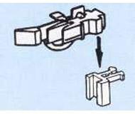 модель Roco 40286 Стандартная сцепка, применяемая в моделях ROCO, с короткой защелкой. Сама сцепка и основание разделяемые, причем имеется возможность регулировать высоту сцепки над рельсами, в упаковке 2 шт.