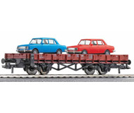модель Roco 66354 Двухосная платформа с двумя автомобилями Wartburg 353