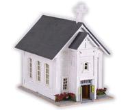 модель Horston 11674-1 Деревянная церковь (кирха). Здание новое, собрано и окрашено специально для продажи. Крыша не приклеена для возможности установки освещения внутри здания.