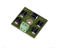 """модель Железнодорожный Моделизм 13583-94 Комиссионная модель. LENZ BM1, новый, без упаковки. LENZ BM-1 - модуль блока управления остановкой с асимметричным DCC. Используется, чтобы сообщить поезду о необходимости остановки в определенном месте. Например, если декодер локомотива получает сигнал стоп, поезд останавливается. Если декодер получает сигнал """"зеленый свет"""", поезд проезжает данный участок без остановки. Предназначен для использования с декодерами Lenz серии Gold, а также с любыми другими декодерами, поддерживающими ABC (Automatic Braking Control). Причина продажи - остались лишние после завершения работы над макетом. Фотография выполнена с одного из продаваемых модулей Lenz BM1."""
