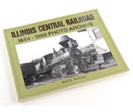 "модель Железнодорожный Моделизм 14724-85 Комиссионная модель. Книга ILLINOIS CENTRAL RAILROAD 1854-1960 PHOTO ARCHIVE (Фотоархив дороги ILLINOIS CENTRAL, 1854-1960). Автор Kim D. Tschudy. Описание в оригинале: <i>""Founded in 1851, the Illinois Central was the first land grant railroad in the United States. Its unique north-south route handled 30 percent of all war material, supplies, and troops to Civil War battlegrounds in the South. This book features the locomotives, depots, and memorabilia of the ""Mainline of Mid-America"", dating from 1875 to 1970. Enjoy this well-illustrated account of a railroad immortalized in song and story.""</i>   Мягкая обложка, 128 страниц. Издательство: Iconografix, U.S (2002 г.). ISBN-10: 1583880631. На английском языке. Книга в отличном состоянии. Фотография сделана с продаваемой книги."