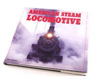 модель Horston 14748-85 Комиссионная модель. Книга American Steam Locomotives (Американские паровозы). Автор Brian Solomon. Описание в оригинале: <i>A beautiful pictorial from the glory days of railroads.</i>  Мягкая обложка, 160 страниц. Издатель: Lowe & B. Hould Publishers; Перепечатка первого выпуска 1882 года. Издание 2002 г. ISBN-10: 0681878827. На английском языке. Книга в отличном состоянии. Фотография сделана с продаваемой книги.