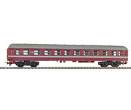 модель Железнодорожный Моделизм 17135-49 Комиссионная модель. Четырёхосный пассажирский вагон, без интерьера. Производство Limа, Италия. В неродной коробке. Фотография выполнена с продаваемой модели.