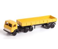 модель Железнодорожные модели 18457-2 Камаз. Остекления кабины и фар нет. Решетку радиатора необходимо приклеить.
