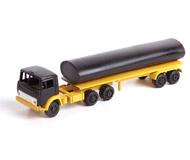 модель Железнодорожные модели 18459-2 Камаз. Остекления кабины и фар нет. Решетку радиатора необходимо приклеить.