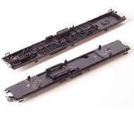 модель Железнодорожные модели 19977-40 Комиссионная модель. Днище четырехосного пассажирского вагона PIKO (ГДР).
