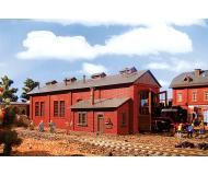 модель Vollmer 43480 Brick Engine House (Loco Shed) w/Automatic Doors - Набор для сборки. Размер  33.5 x 12.6 x 11.8см.