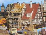 модель Vollmer 43691  Набор для сборки house under construction with scaffold. Размер  17.5 x 14 x 15.2 см.