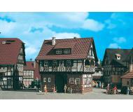 модель Vollmer 43734  Набор для сборки half timbered house. Размер  12 x 11.5 x 13 см.