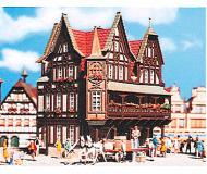 модель Vollmer 43749  Набор для сборки half-timbered town house. Размер  10.5 x 8.5 x 14 см.