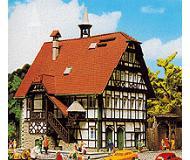 модель Vollmer 43750  Набор для сборки town hall Kochendorf. Размер  12 x 11.5 x 13 см.