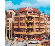 модель Vollmer 43800  Набор для сборки city corner house. Размер  14 x 14 x 20 см.