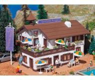 модель Vollmer 43808 Sporthotel Europe -- Набор для сборки. Размер   17.8 x 15 x 11.5см.