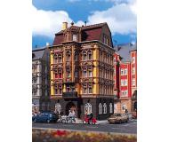 модель Vollmer 43813  Набор для сборки dwelling house Schlo?allee 3. Размер  11 x 10.8 x 19.5 см.