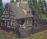 модель Vollmer 43851  Набор для сборки fairy tale house Hansel und Gretel. Размер  10.4 x 9.6 x 8.3 см.