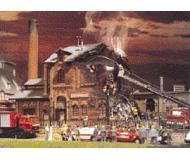 модель Vollmer 45601 Factory On Fire - Набор для сборки. Размер  34 x 14 x 30см.