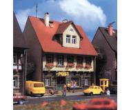 модель Vollmer 47633  Набор для сборки house post shop Marktstrasse 6. Размер  8 x 6.6 x 10.2 см.