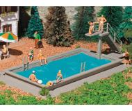 модель Vollmer 47668 Swimming Pool -- Набор для сборки. Размер   8.5 x 4 x 2.5см.