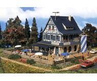 модель Vollmer 47698  Набор для сборки country inn with beer garden